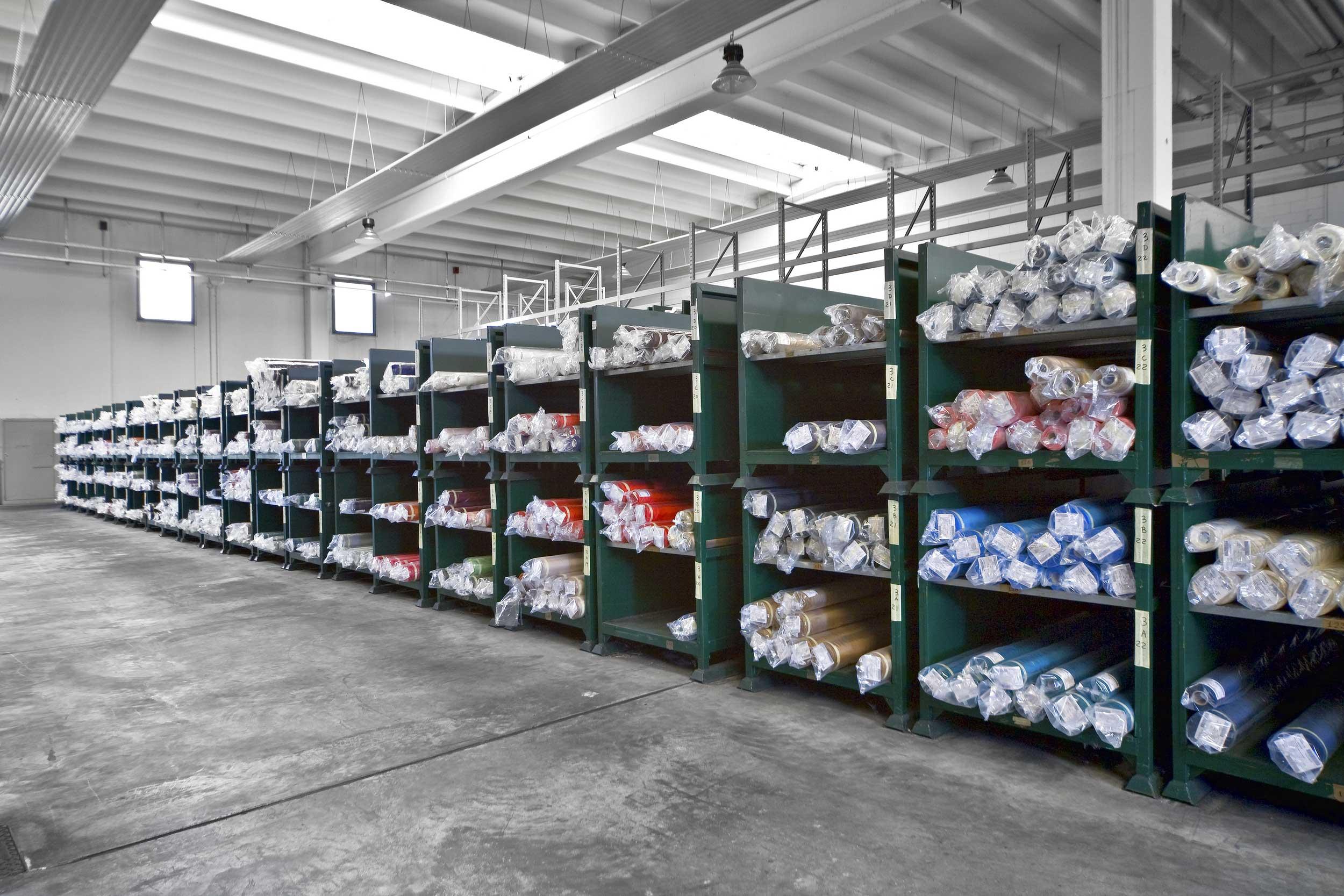I contenitori box paretali portatubi Samit sono adatti allo stoccaggio e alla movimentazione di particolare di ogni genere.