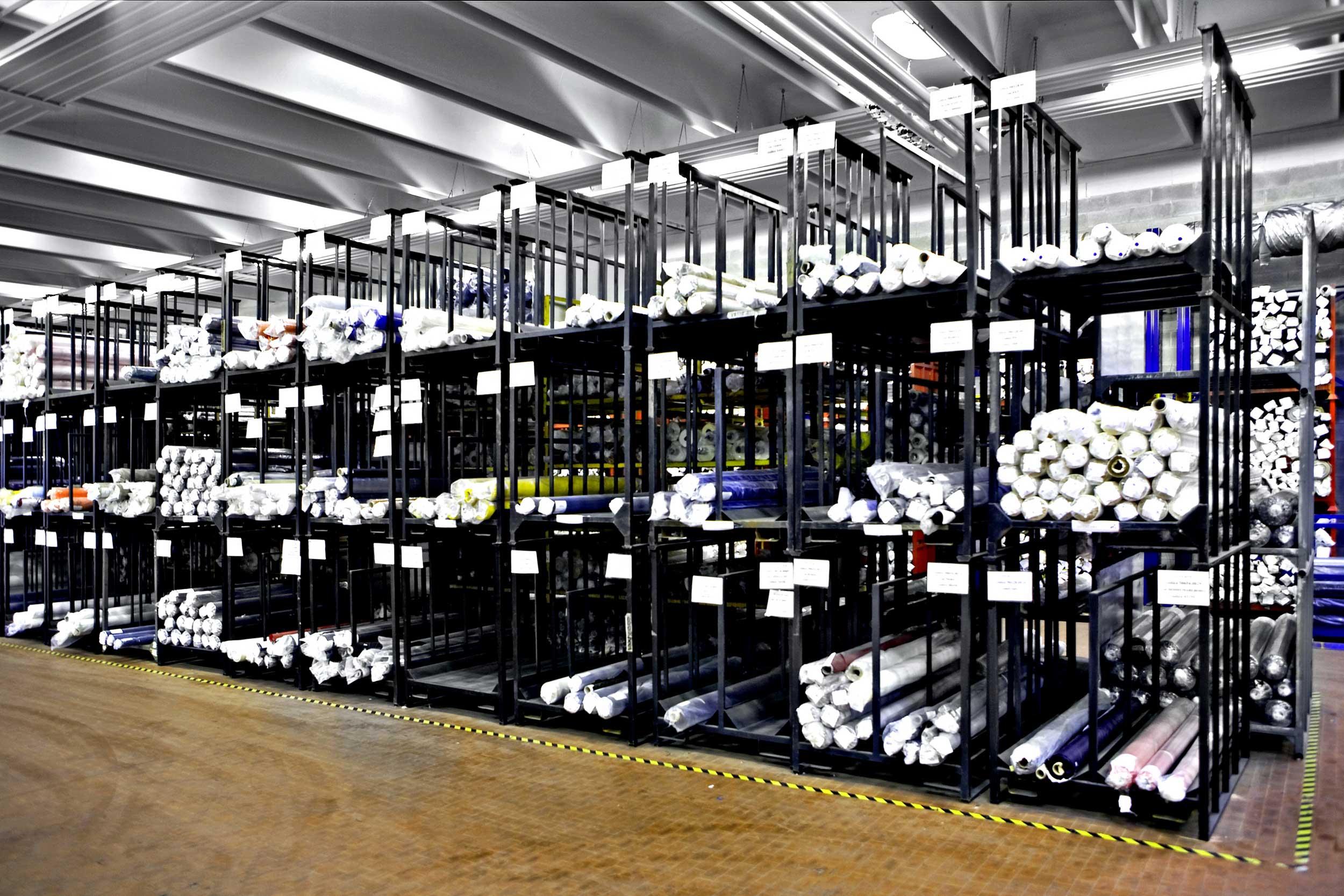I portatubi Samit sono contenitori metallici in lamiera d´acciaio grecata o liscia, personalizzabili per ogni esigenza specifica del Cliente.