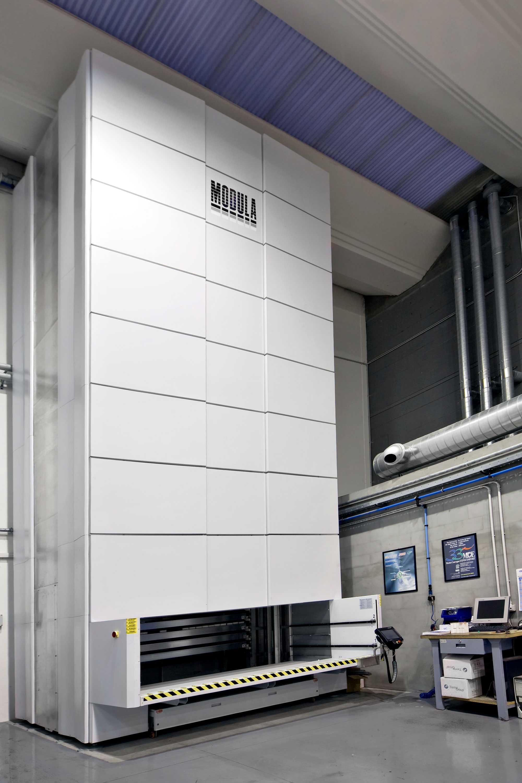 Ridefinire la gestione dello spazio e del magazzino con un approccio all'avanguardia è il marchio di fabbrica dei magazzini verticali automatici Samit