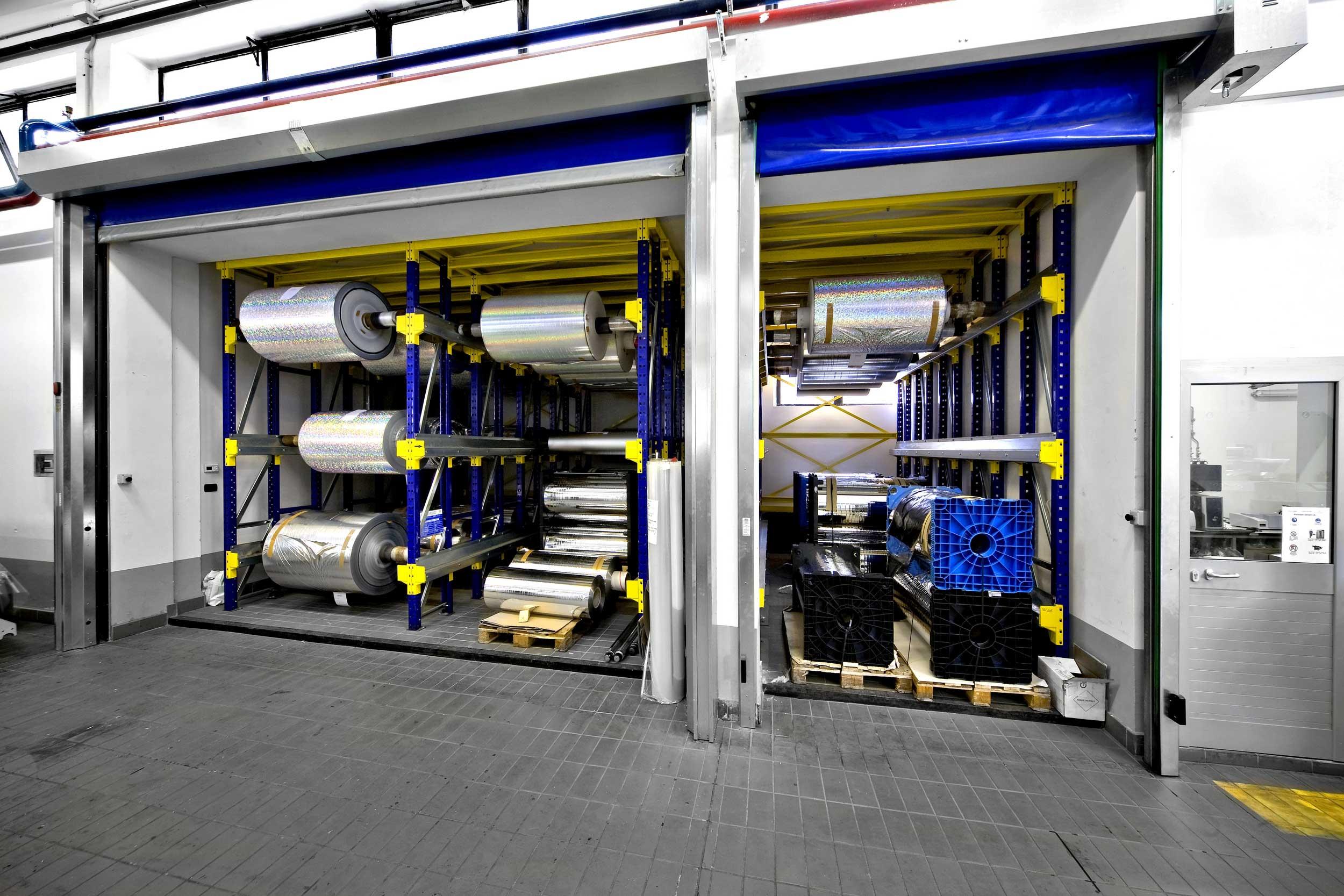 Le scaffalature drive-in Samit sono ideali per immagazzinare prodotti pallettizzati a lenta rotazione con un limitato numero di referenze.